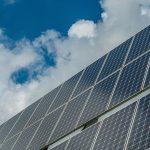 Cargador solar smartphone de viaje
