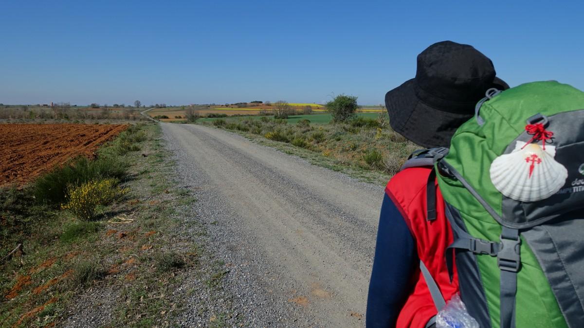 jakobsweg_pilgrim_pilgrimage_camino_de_santiago_wanderer_backpack-camino-santiago