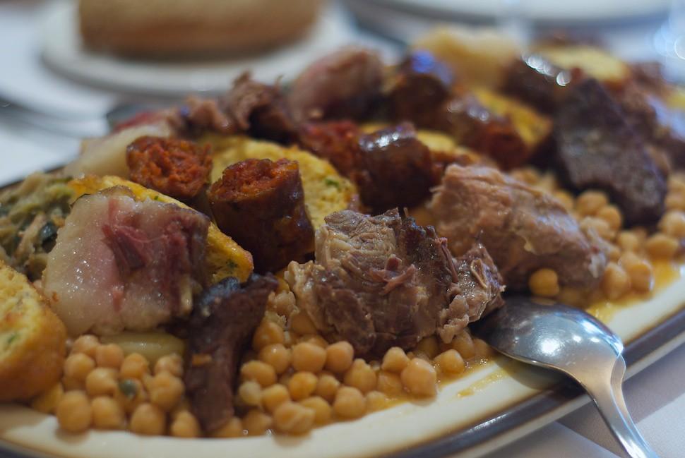 cocido-lebaniego-cantabria-comida-platos-tipicos-españa